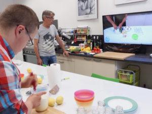 La Fondation INDOSUEZ a  financé l'équipement de l'atelier culinaire «école».