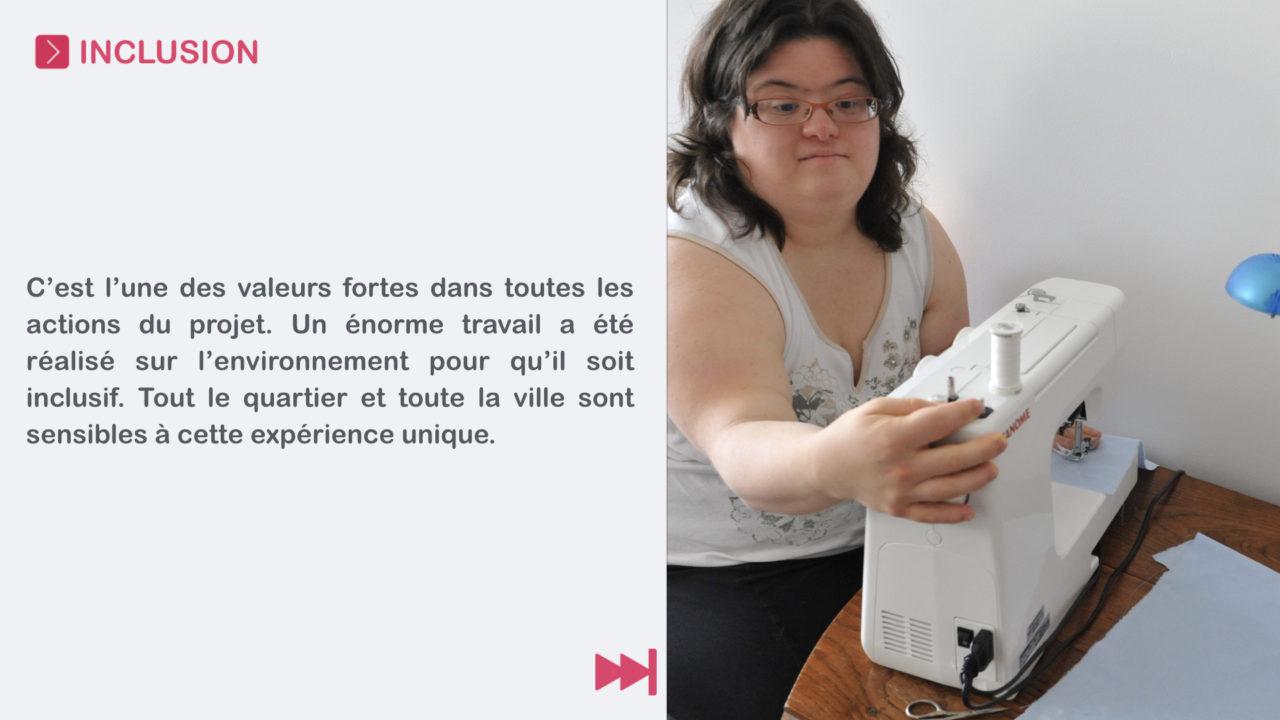Céline utilise sa machine à coudre