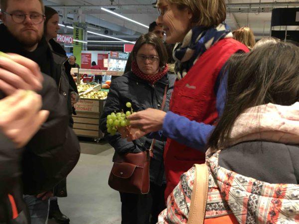 Etal de fruits & légumes Auchan 33